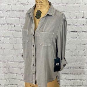 ROCK & REPUBLIC Small Roll Cuff Shirt